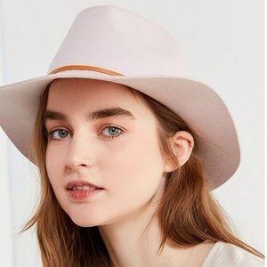 NWOT Gorgeous Lavender Brixton Hat